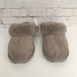 Ladies Shearling Slippers SZ 10 Stone Color NEW